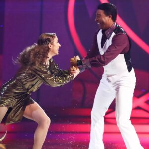 Colin and Klabera bring Saturday Night Fever to the ice in Week 6 🕺 | Dancing on Ice 2021