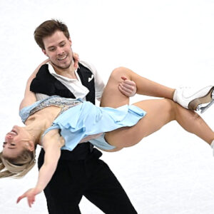 sinitsina and katsalapov dance to lead at worlds