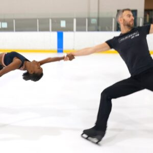 "Vanessa James & Eric Radford, ""Shiny Happy People"" @Reuben and the Dark 2021-22 Short Program"
