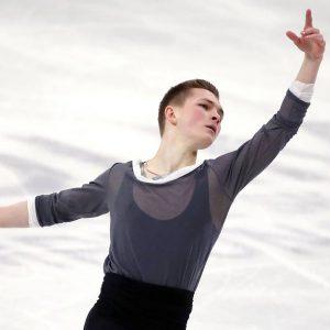 mikhail kolyada returned to the nutcracker sp inspired by baryshnikov